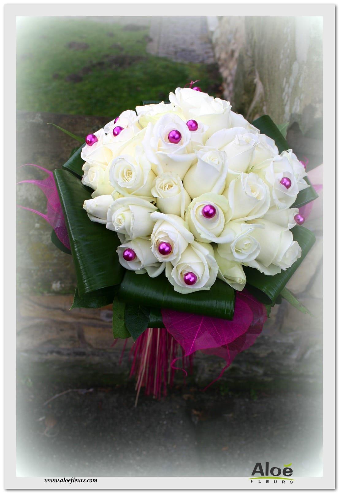 bouquets de mari e rond en images page 1 aloe fleurs. Black Bedroom Furniture Sets. Home Design Ideas