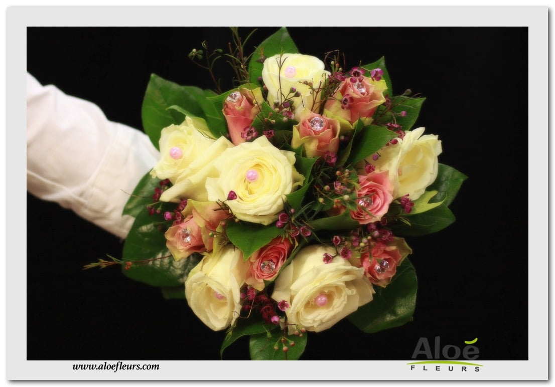 BOUQUET ROND CHAMPETRE ROSES