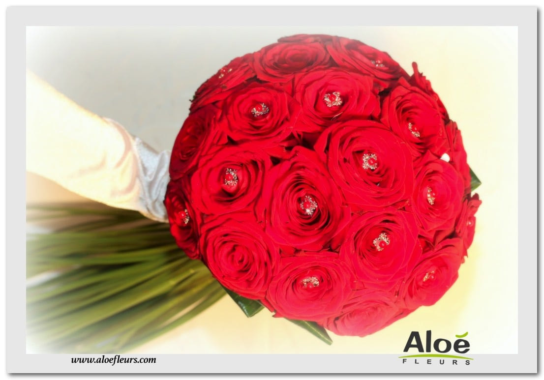 BOUQUET ROND ROSES ROUGE & TRAINE