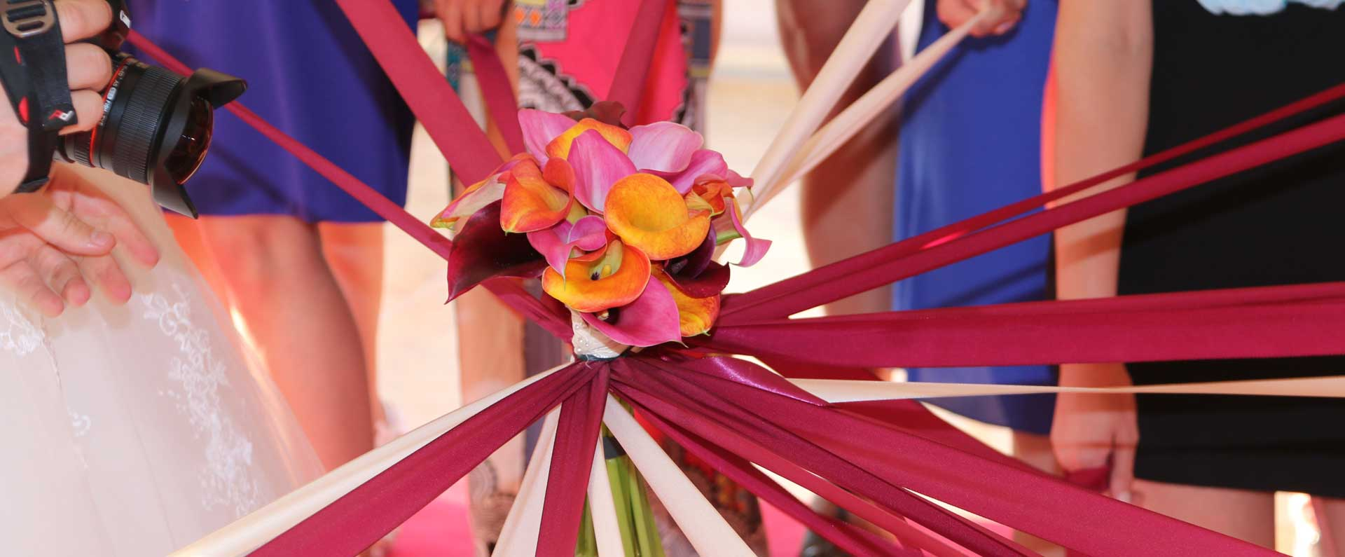 jeu mariage le lancer de bouquet de la mariée