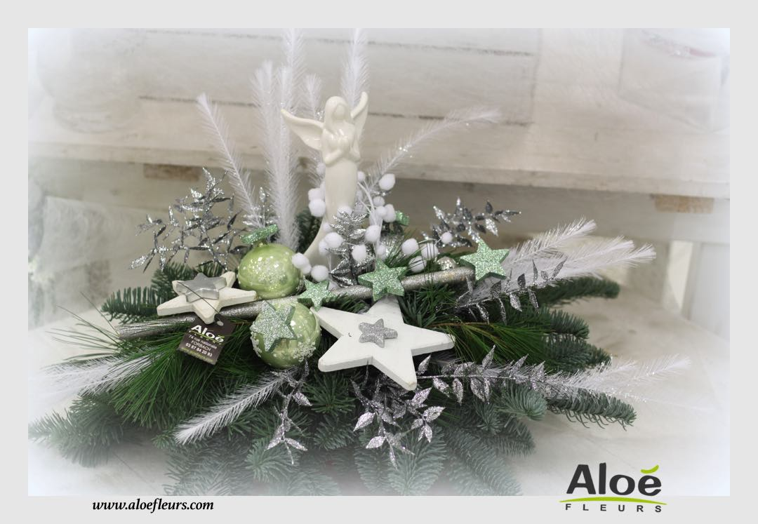 composition florale de noel sapin alo fleurs10 aloe fleurs. Black Bedroom Furniture Sets. Home Design Ideas