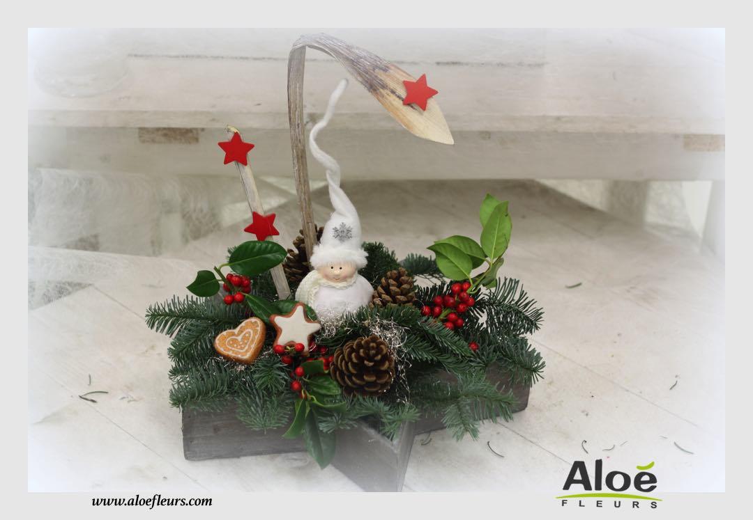 composition florale de noel sapin alo fleurs25 aloe fleurs. Black Bedroom Furniture Sets. Home Design Ideas