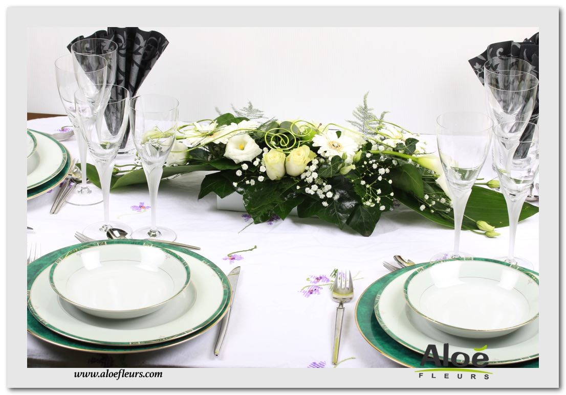 Petite decoration florale de table d co de table mariage for Composition florale pour table