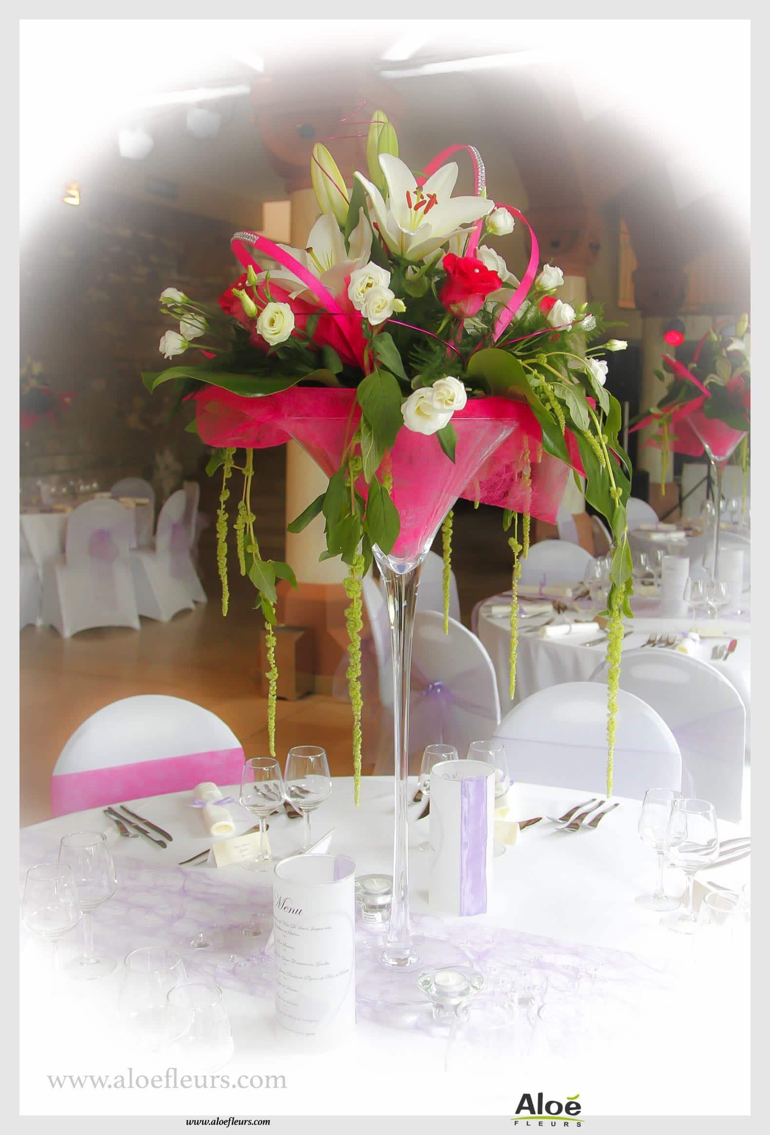 Decoration Voiture Rouge En Fleurs Blanc Et Fushia